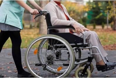 Урядом підвищено надбавки на догляд  за особами з інвалідністю з дитинства та дітьми з інвалідністю
